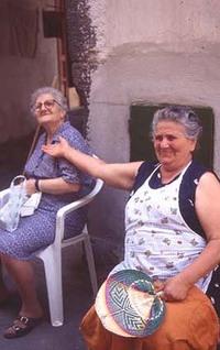 Old_italian_women_2